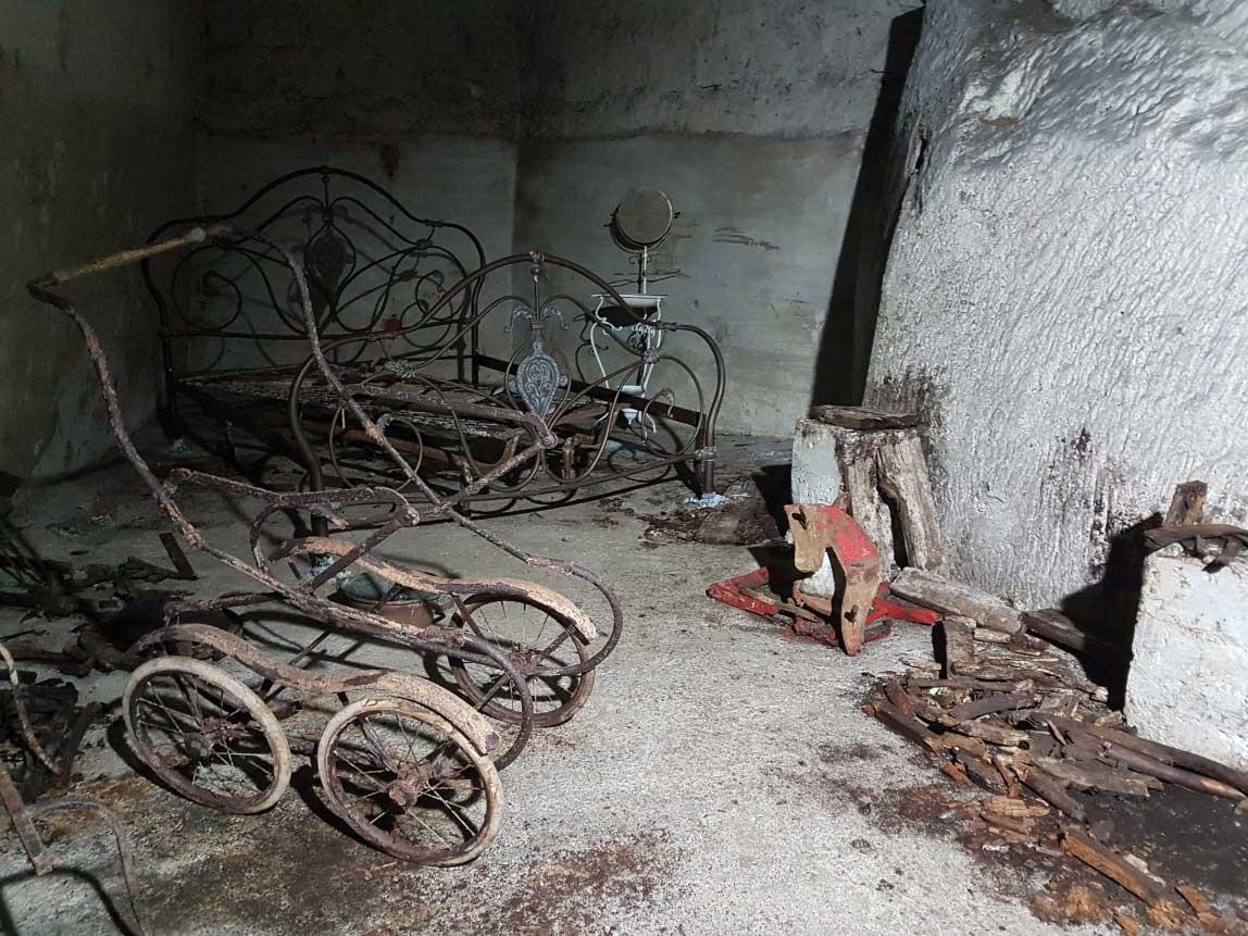 Naples Underground - WW2